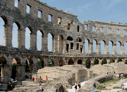 Das Amphitheater in Pula